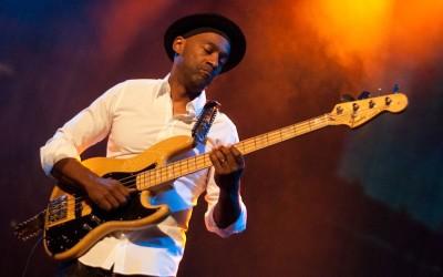 Incredibile Marcus Miller al basso!